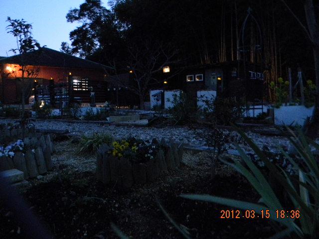 木本邸ガーデンライト02